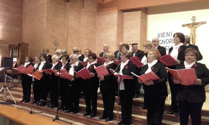 Esibizione del coro a Mola